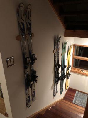 Indoor Ski Display Wall Rack | Solid Cherry Wood
